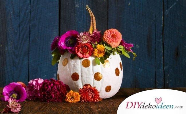 20 Ideen für Deko mit Kürbissen - Kürbis Vase basteln