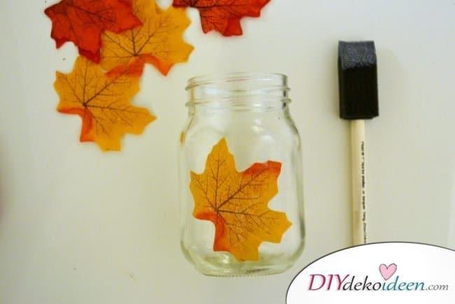 Erntedankfest Deko selber machen - Herbstdeko selber machen mit Blättern