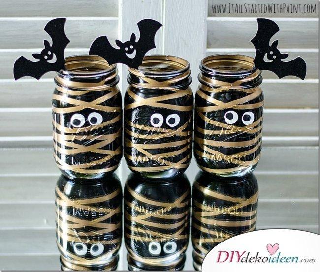 Gruselige Halloween Einmachgläser basteln - DIY Mumien basteln