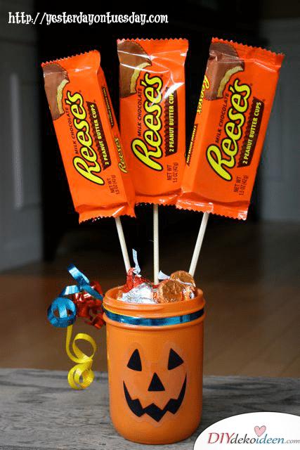 Gruselige Halloween Einmachgläser basteln - DIY Halloween Deko