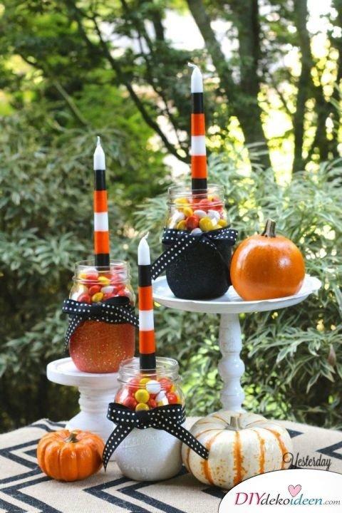 Einfache DIY Bastelideen - Halloween Einmachgläser basteln - Halloween deko Bastelideen