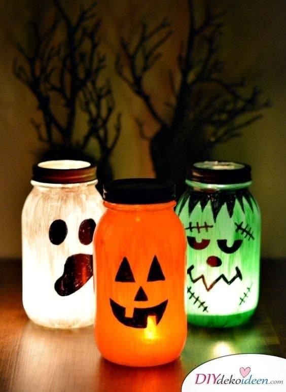 Einfache DIY Bastelideen - Halloween Einmachgläser basteln - Halloween Dekoideen