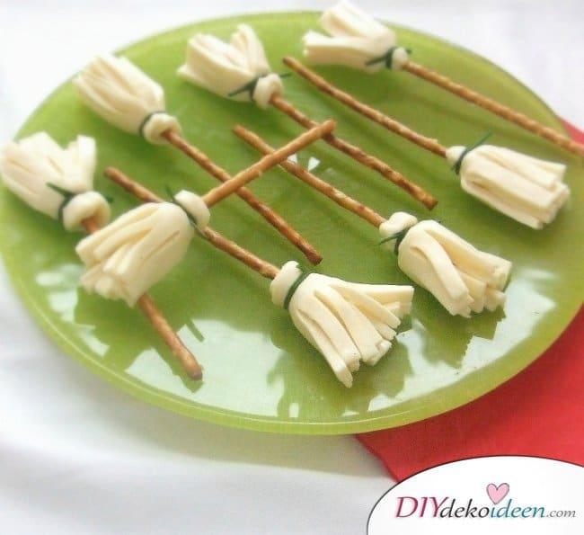 Halloween Snack Rezepte für Kinder - Käse-Hexenbesen