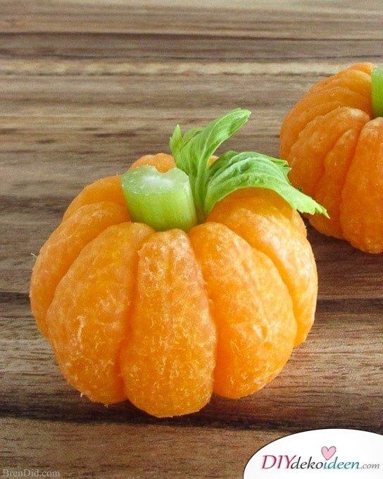 Einfache Halloween Snack Rezepte für Kinder -Mandarinen-Kürbisse