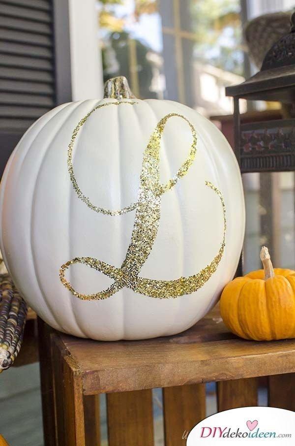 DIY Dekoideen - Halloween Veranda Deko - Kürbisdeko