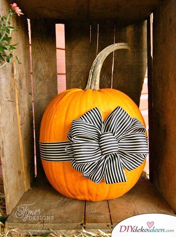 DIY Dekoideen - Halloween Veranda Deko - Kürbisdeko Ideen