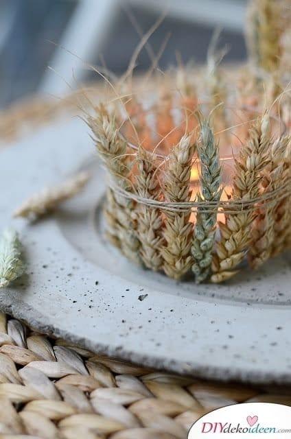 Herbstdeko selber machen - 15 DIY Bastelideen - Herbstliches Kerzenglas
