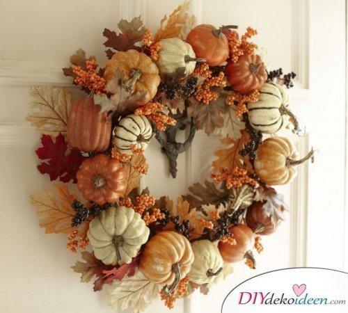 Herbstkränze selber machen - 15 DIY Bastelideen - Basteln mit Kürbissen