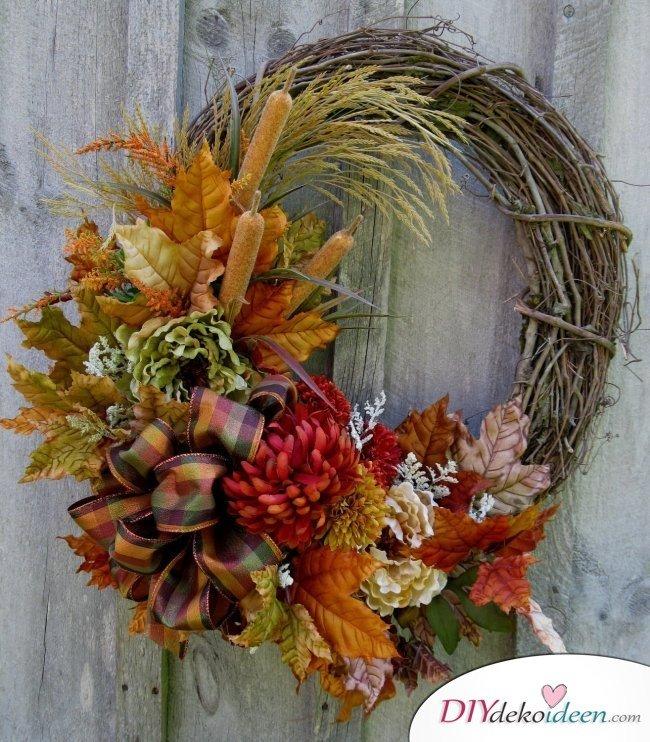 Herbstkränze selber machen - 15 DIY Bastelideen - Herbstdeko