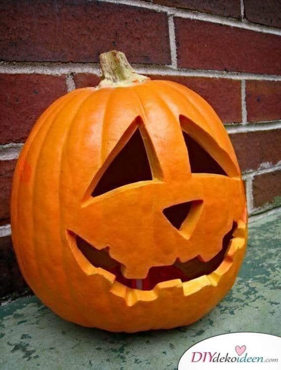 Anleitungen zum Kürbis schnitzen - Halloween Kürbis selber schnitzen
