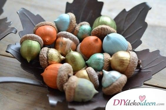 15+ DIY Ideen für Herbstdeko basteln mit Eicheln - Herbst Deko basteln