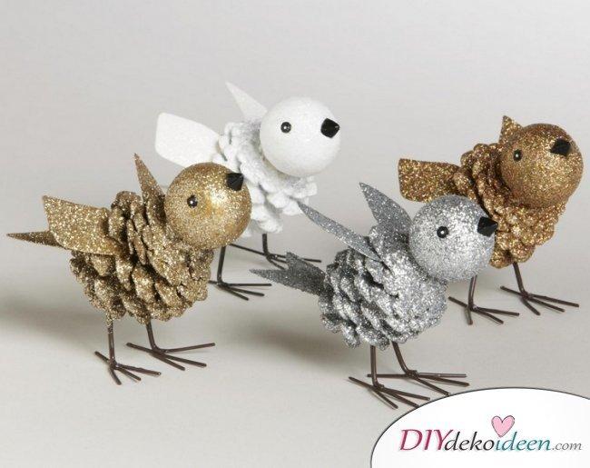 Weihnachtsdeko basteln mit Tannenzapfen – DIY Bastelideen - Tannenzapfendeko basteln