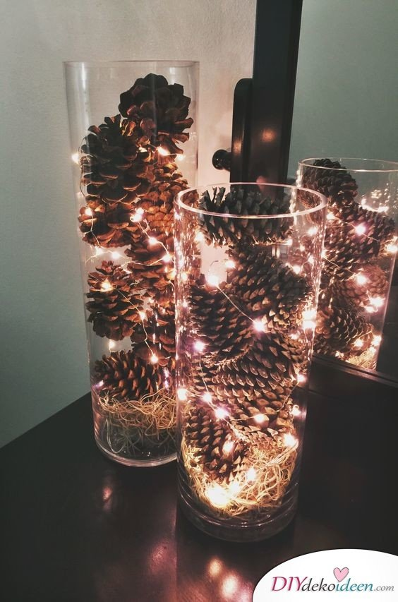Christmas decorations made with pine cones - DIY craft ideas - pine cones decoration lights