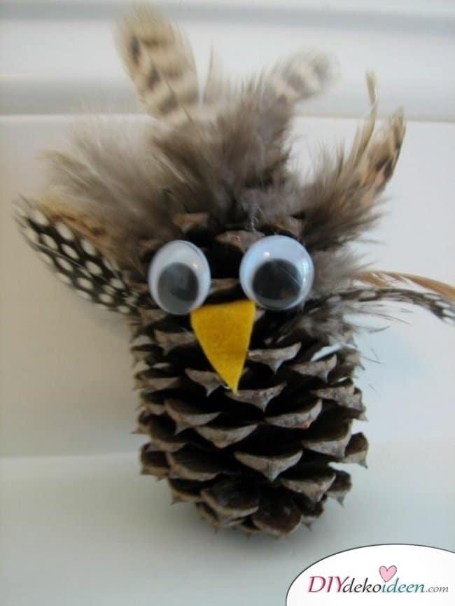 Weihnachtsdeko basteln mit Tannenzapfen – DIY Bastelideen - Tannenzapfen Deko basteln