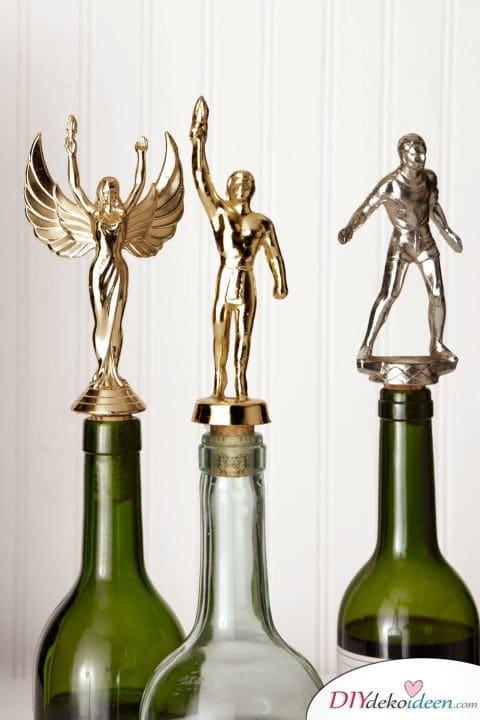 Die schönsten Ideen für günstige DIY Weihnachtsgeschenke -DIY Pokal-Flaschenkorken