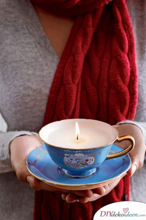 Persönliche DIY Weihnachtsgeschenke für deine Lieben - 15 DIY Bastelideen - Kerzen gießen