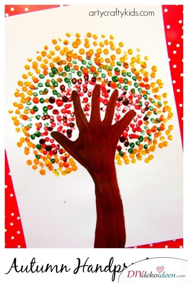 Herbstbasteln für Kinder - Leichte DIY Bastelideen - malen mit Kleinkindern