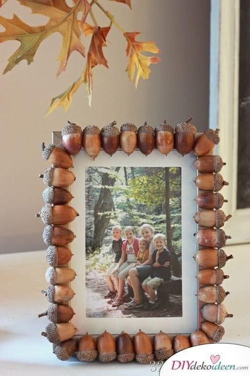 15+ DIY Ideen für Herbstdeko basteln mit Eicheln - DIY Bilderrahmen