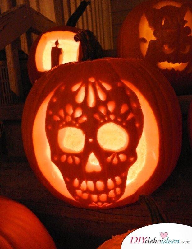 Kürbis schnitzen zu Halloween - Kürbislaternen Ideen
