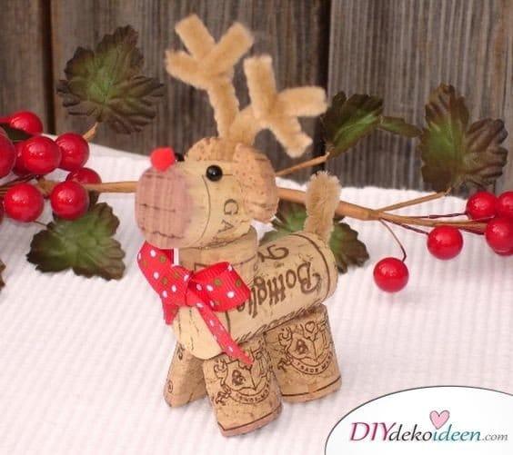 Zu Weihnachten basteln - DIY Bastelideen - Weihnachtsdeko basteln mit Korken