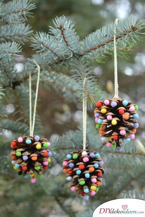 Basteln mit Tannenzapfen - 15 Ideen für Kinder - DIY Bastelidee Weihnachtsbasteln Tannenbaumschmuck basteln