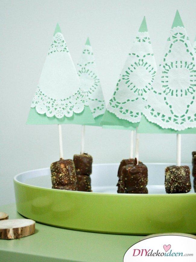Weihnachtsbasteln mit Kindern - 15 Ideen - basteln mit Kindern - Weihnachten Bastelideen - Tannenbaum basteln mit Papier
