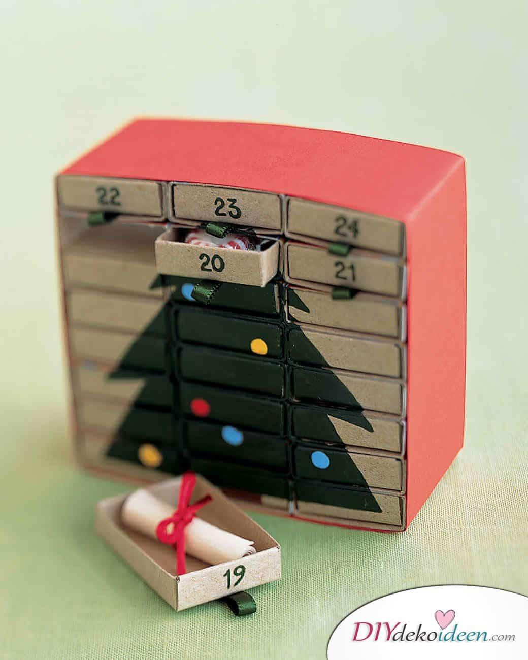 Weihnachtsbasteln mit Kindern - 15 Ideen - basteln mit Kindern - Weihnachten Bastelideen - Adventskalender basteln mit Streichholzschachteln