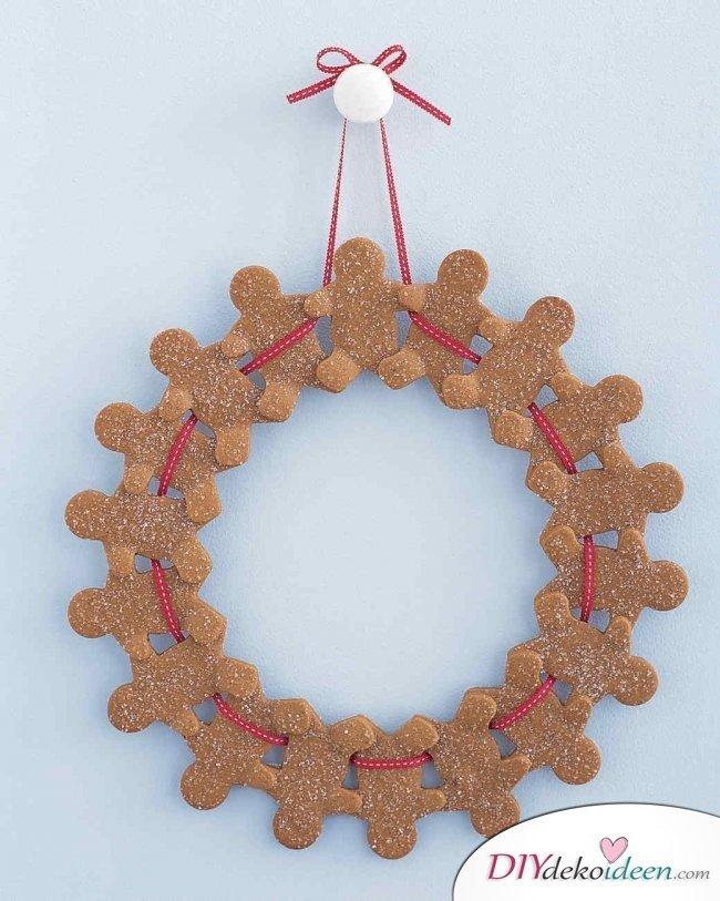 Weihnachtsbasteln mit Kindern - 15 Ideen - basteln mit Kindern - Weihnachten Bastelideen - Türkranz basteln