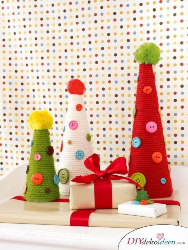 Weihnachtsbasteln mit Kindern - 15 Ideen - basteln mit Kindern - Weihnachten Bastelideen - Tannenbaum basteln mit Wolle