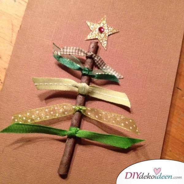 Weihnachtsbasteln mit Kindern - 15+ DIY Bastelideen - - Minitannenbaum - DIY Bastelideen - Weihnachtsdeko basteln