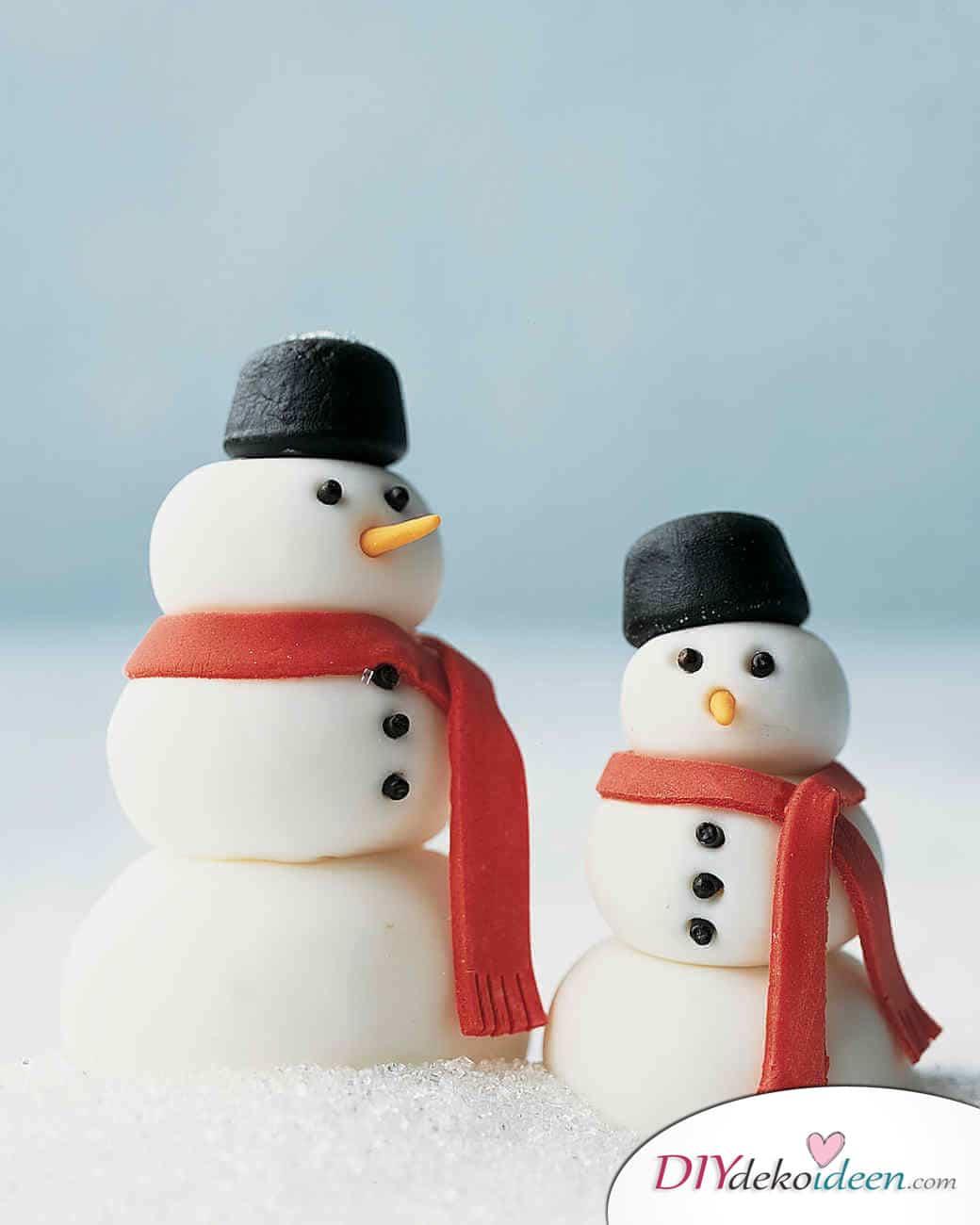 Weihnachtsbasteln mit Kindern - 15 Ideen - basteln mit Kindern - Schneemänner basteln - Weihnachten Geschenkidee
