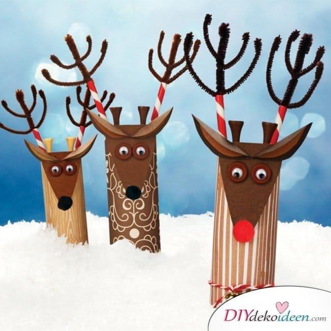 Weihnachtsbasteln mit Kindern - 15+ DIY Bastelideen - Papprollenrentiere - Weihnachten basteln mit Papprollen
