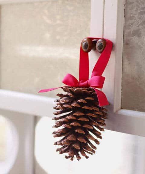 15 Ideen für DIY Weihnachtsdekoration - Weihnachten Dekoideen - Weihnachtsdeko - dekorieren basteln mit Tannenzapfen
