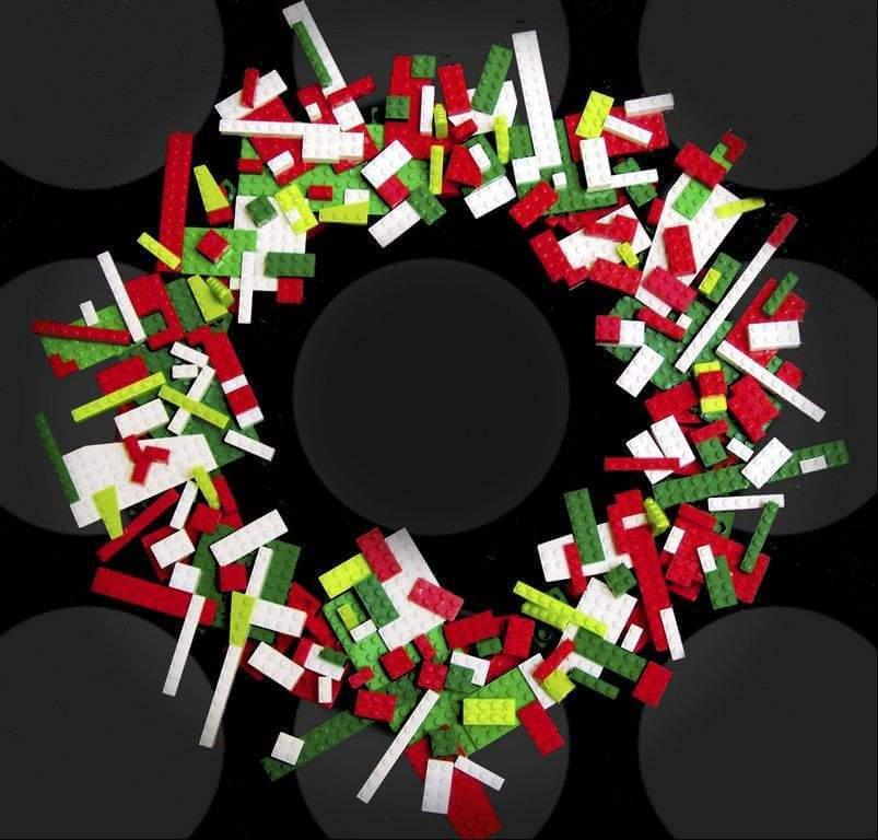 kreativ Weihnachtskranz basteln - 20+ Ideen zum selbermachen - Weihnachten 2017 - kreative Bastelideen - Türkranz aus Lego