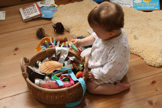 Babyspielzeug basteln -10+ süße DIY Bastelideen zum Selbermachen - Baby Fühlspielzeug basteln - Babys - Kleinkinder - sensorische Spiele
