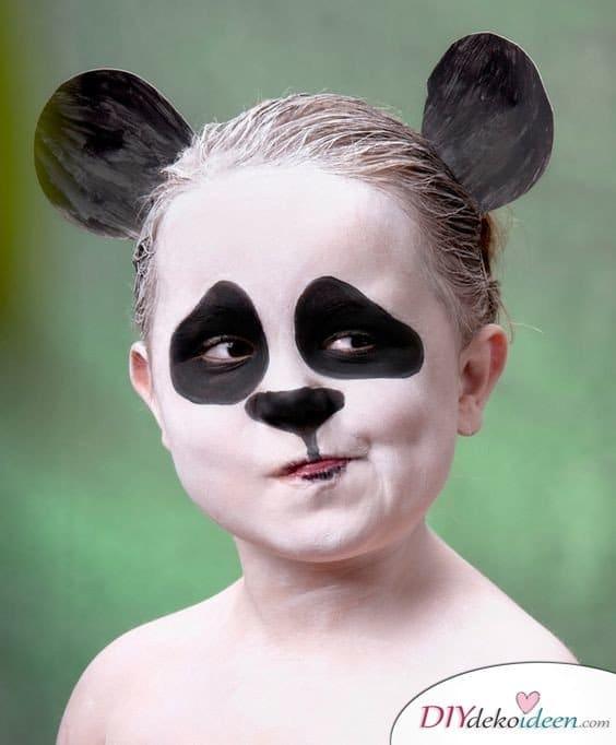 15+ Karneval Schminkideen, Panda, Panda Make up, Panda schminken, Kinder schminken, Karneval, Schminktipps, Fasching Schminken, Karneval Make up, Make up Fasching, Karneval Kostüm Ideen,