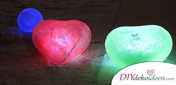 Mit diesen DIY Eiskugeln fängst du den Zauber des Winters ein