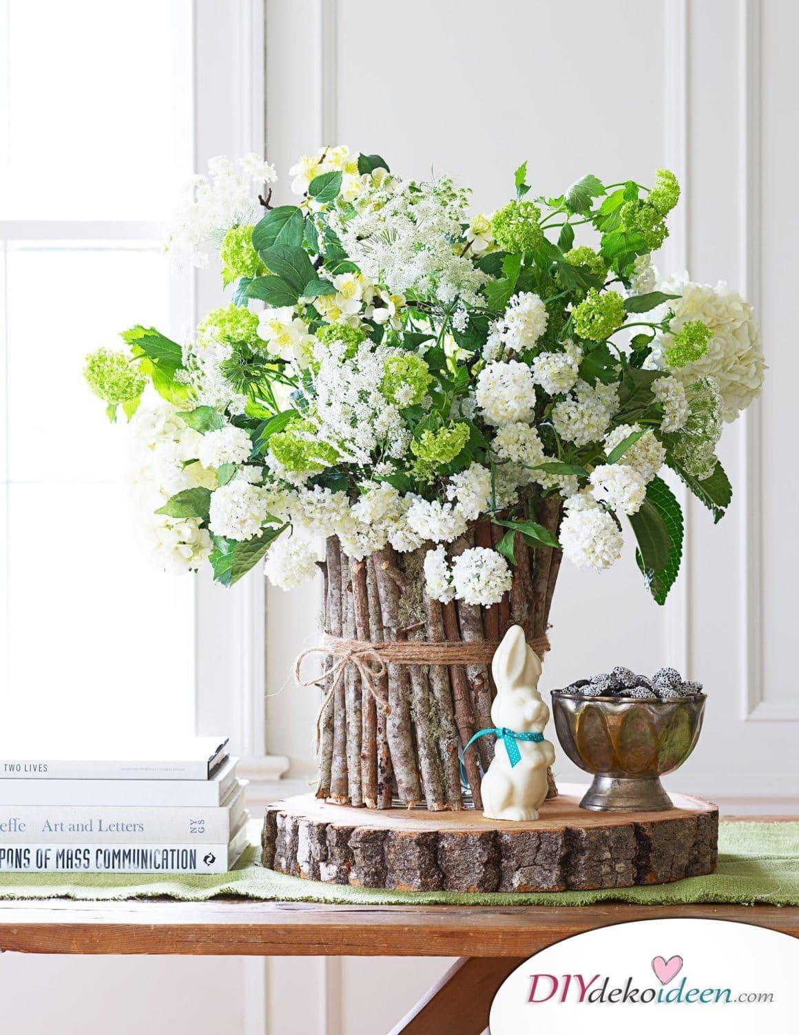 Frühlingstischdeko, Tischdeko, Tisch dekorieren, Blumendeko, Blumen Tischdeko, Frühling, Frühlingsdeko, Frühling dekoireren, Frühling Dekoidee, Frühling Tischdeko