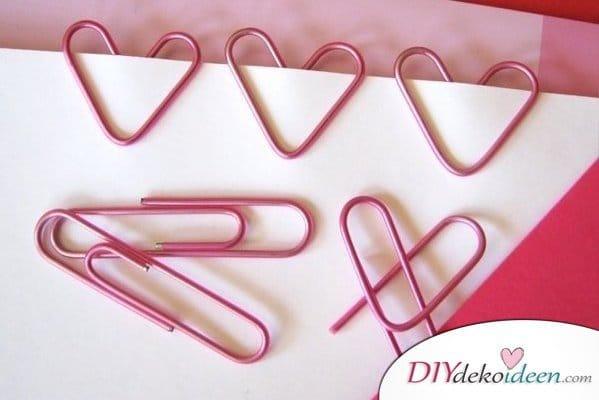 DIY Herzchenklammern, DIY Lesezeichen, Valentinstag Karten basteln, Valentinstag, Valentinstag basteln, Valentinstag Bastelideen, DIY Bastelideen, romantisch, Karten basteln