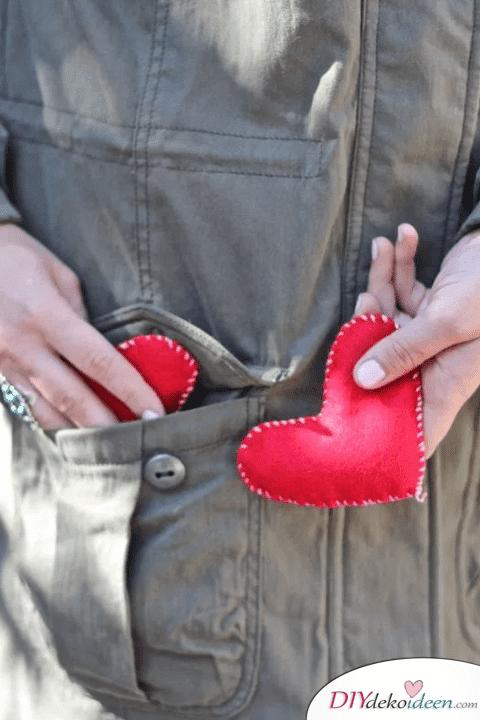 DIY Handwärmer, Valentinstag Karten basteln, Valentinstag, Valentinstag basteln, Valentinstag Bastelideen, DIY Bastelideen, romantisch, Karten basteln
