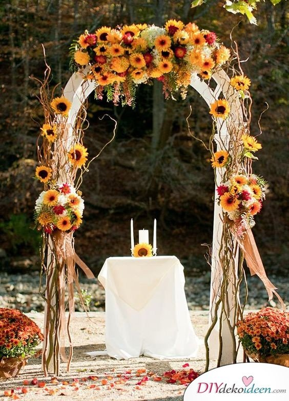 Rustikale Hochzeitsdeko, rustikale Hochzeit, Hochzeit rustikal, Frühlingshochzeit, Hochzeit im Frühling, DIY Dekoideen, Hochzeit, Frühling, Hochzeitsdeko, Hochzeit dekorieren, heiraten, Blumendeko, Hochzeit Dekoideen