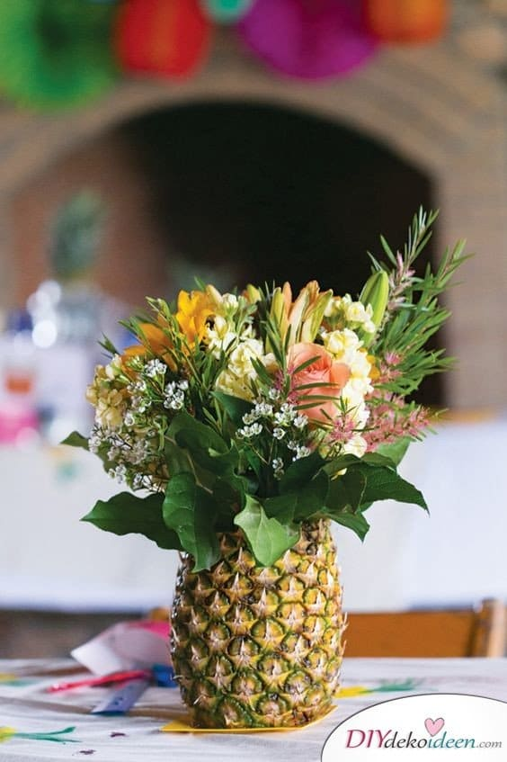 Ananas Vase, Karibik Party Ideen,tropische Party, Party Deko, DIY Dekoideen, Partydeko, Party Dekoideen, Motto Party, dekorieren, feiern, Karibik, Tropen,