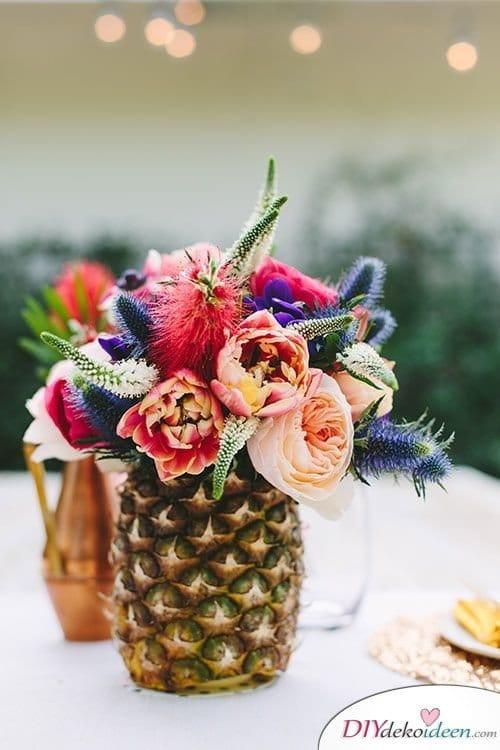 Ananas Vase, Karibik Party Ideen,tropische Party, Party Deko, DIY Dekoideen, Partydeko, Party Dekoideen, Motto Party, dekorieren, feiern, Karibik, Tropen,