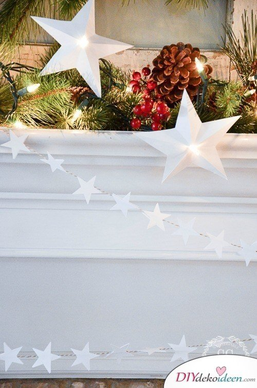 DIY Weihnachtsbaum-Schmuck Ideen, Weihnachtsdeko selber basteln, Sternengirlande-Papier, Girlande aus Sternen