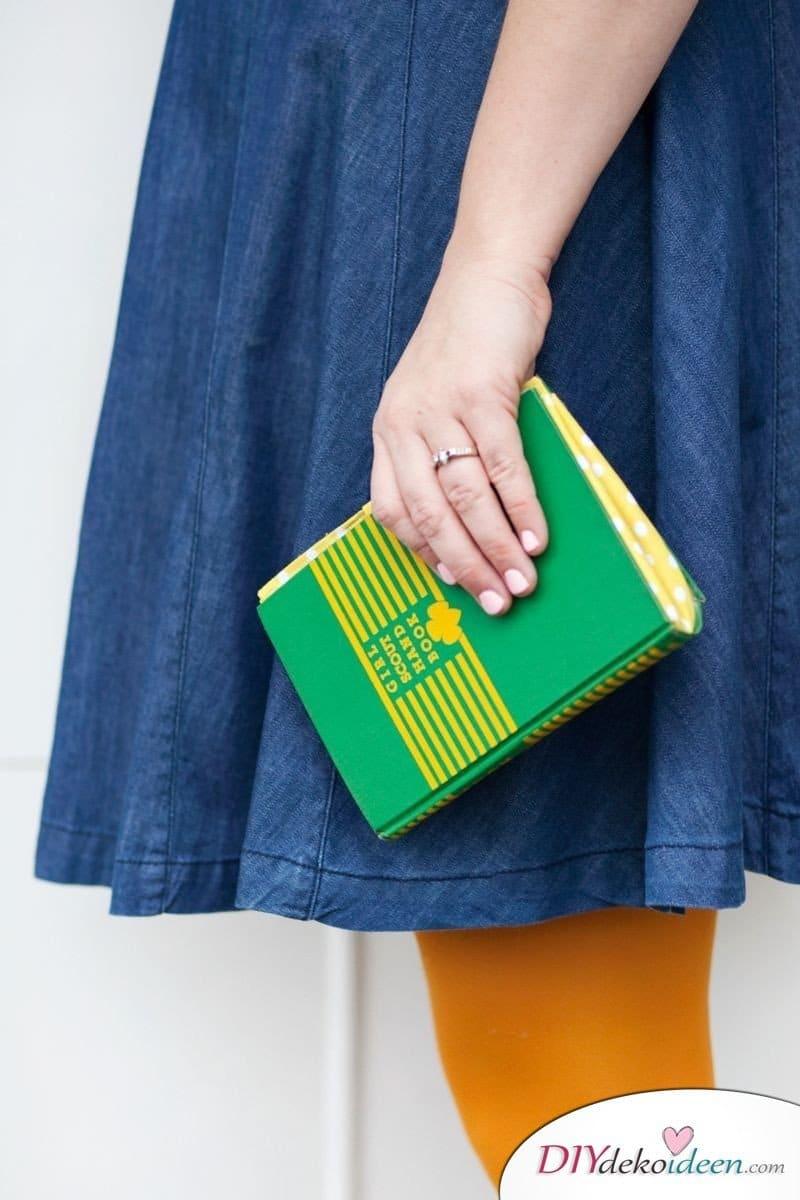 DIY Geldbörse aus einem Buch selber machen
