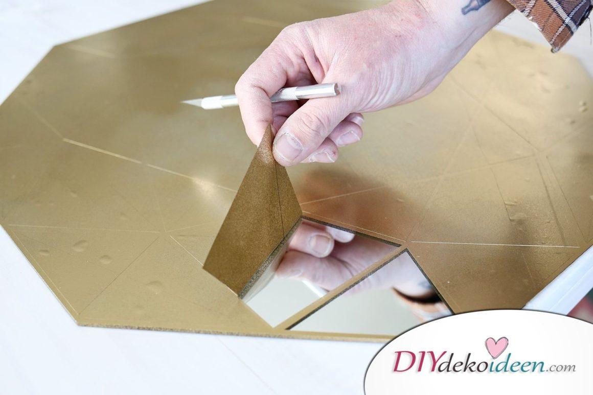 Spiegel Deko mit Goldfolie selber machen