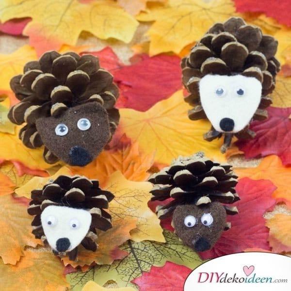 Basteln mit Tannenzapfen Herbst - 14 Bastelideen mit Tannenzapfen - Tannenzapfen Igel