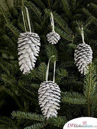 Basteln mit Tannenzapfen Weihnachten - DIY Christbaumschmuck