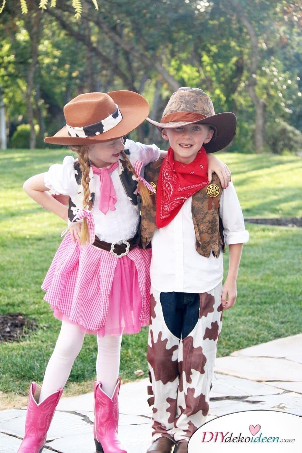 15 witzige Halloween Kostüm Ideen für Kinder zum selbermachen - Cowboy- Kinderkostüm