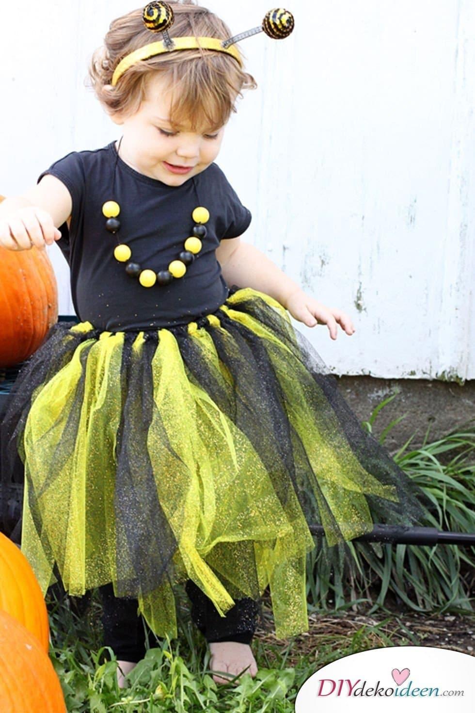 15 witzige Halloween Kostüm Ideen für Kinder zum selbermachen - Biene - Kinderkostüm
